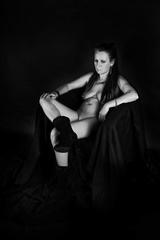 paris housewife 7 artistic nude photo by artist hybryds