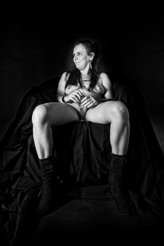 paris housewife artistic nude photo by artist hybryds