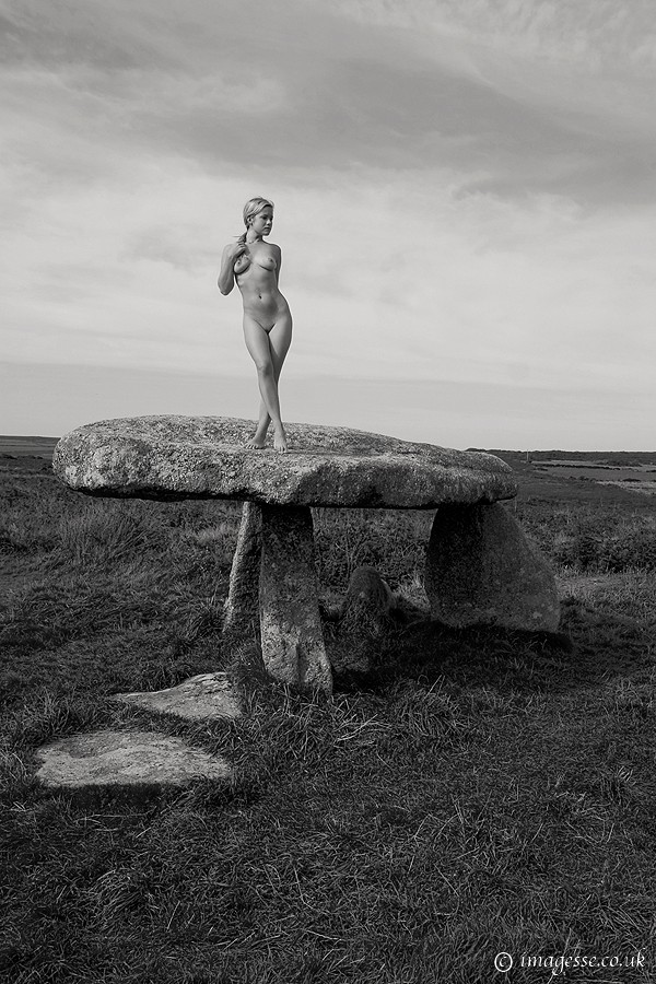 pedestal Artistic Nude Photo by Photographer imagesse