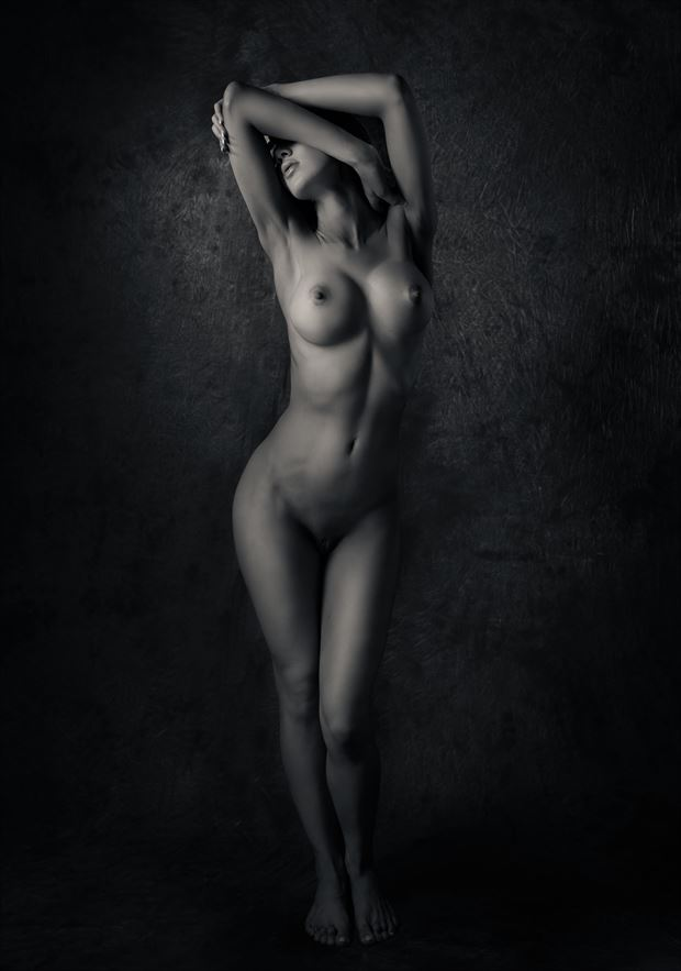 pelin statuesque artistic nude photo by photographer thatzkatz
