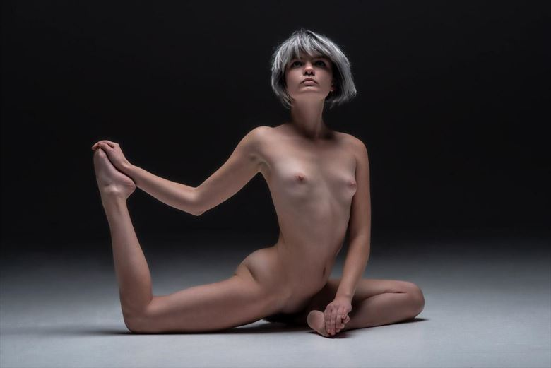 pigeon pose artistic nude photo by model perrinmarie