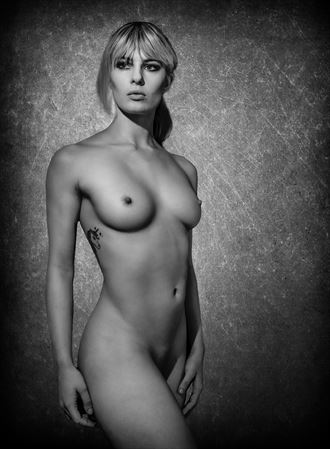 pippa artistic nude photo by photographer mikeal brecks