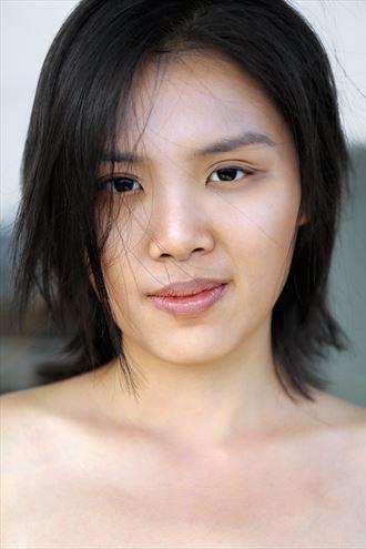 portrait natural light photo by photographer emmanouil p
