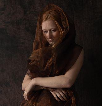 portrait of a woman studio lighting photo by photographer thatzkatz