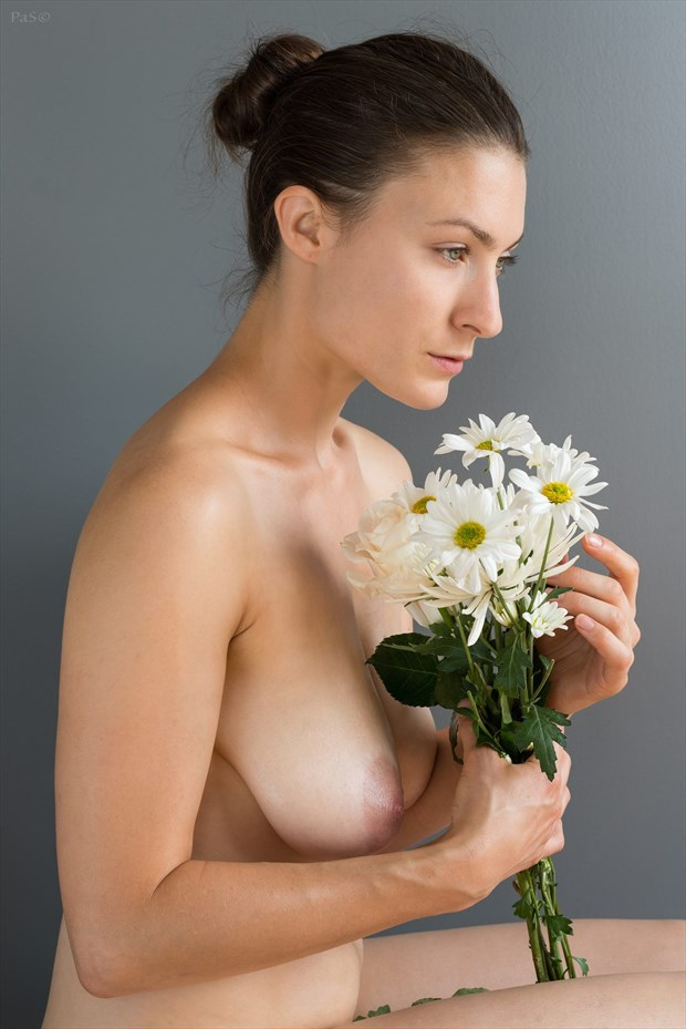 portrait with daisies Sensual Photo by Model erin elizabeth