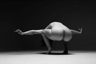 pose artistic nude photo by model marzipanned