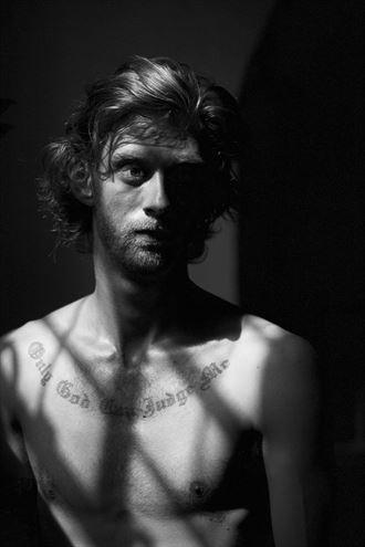 posing artistic nude artwork by photographer lene damtoft
