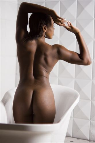 power and grace artistic nude photo by model devoguechaneljohnson