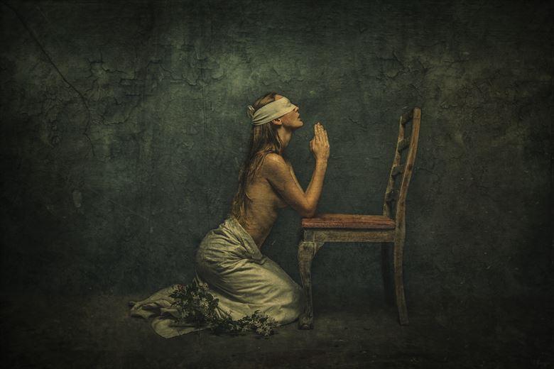 pray artistic nude photo by photographer luj%C3%A9an burger