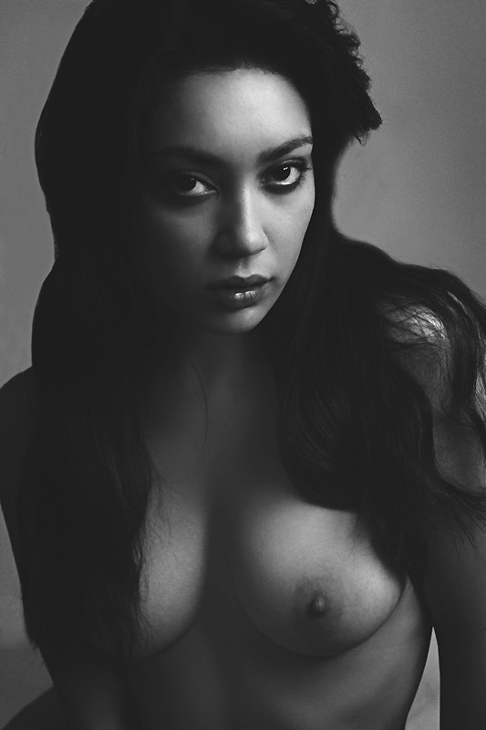 preparing for my name. Artistic Nude Photo by Model rebeccatun