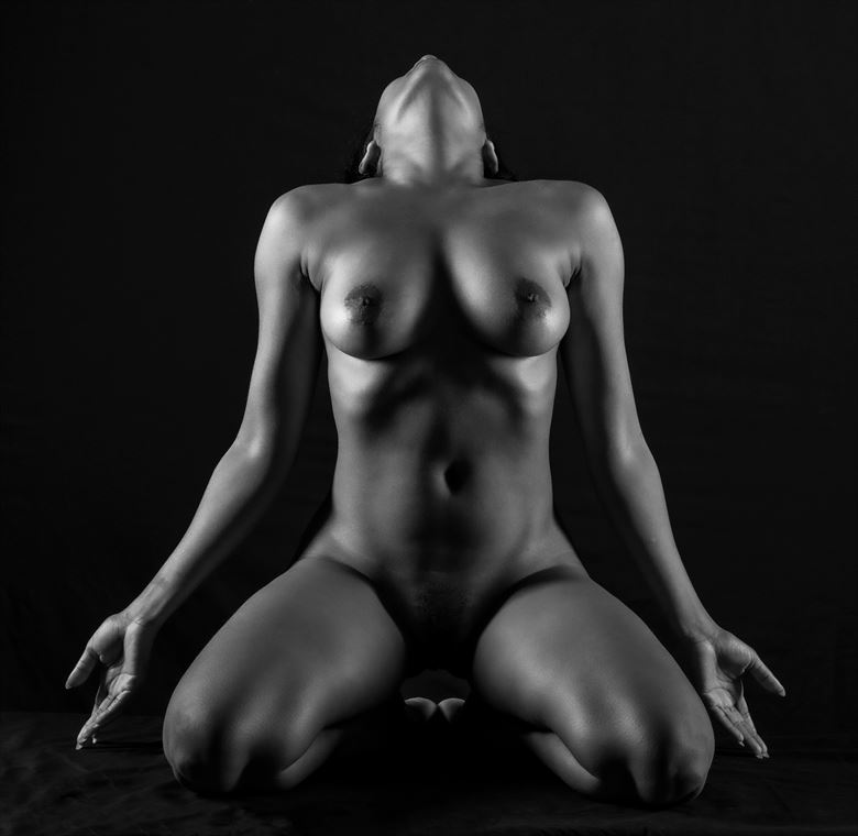 projecting her essence into the void artistic nude photo by photographer gpstack