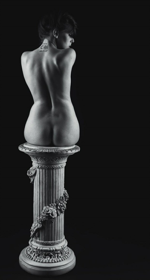 pure beauty Artistic Nude Photo by Model TheaRosee