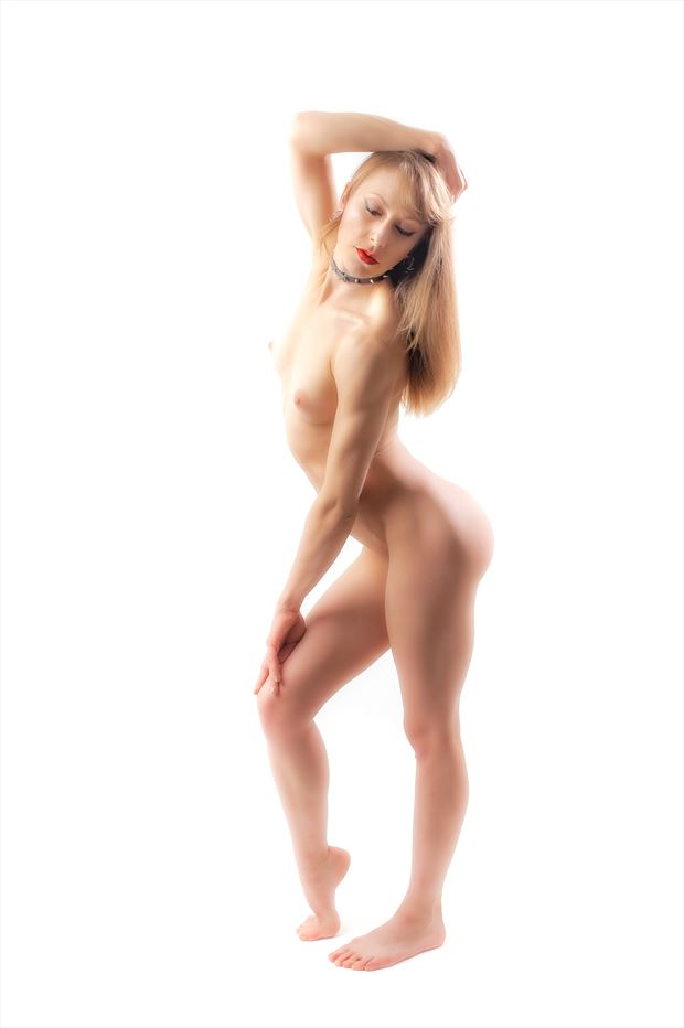 pure dahlia artistic nude photo by photographer paul anders