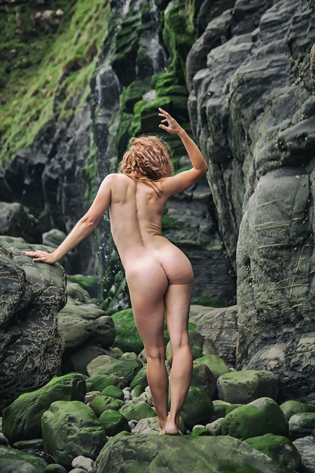 queen of green artistic nude photo by photographer imagesse