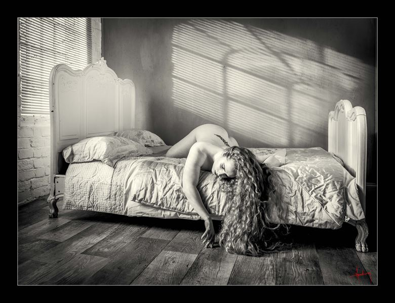 r e m artistic nude photo by photographer doug harding
