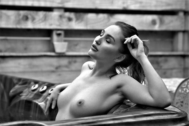 rachelle in hot tub sensual photo by photographer kayakdude