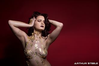 raven in gold artistic nude photo by photographer arthur_steele