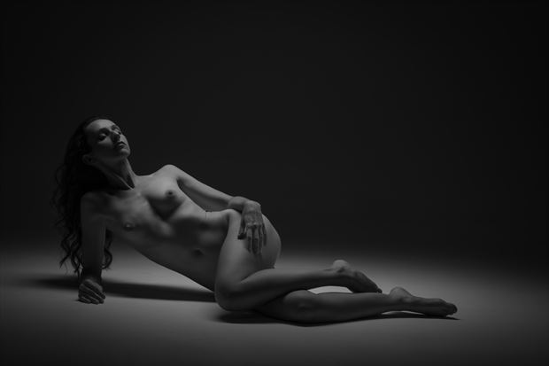 reclining nude artistic nude photo by photographer eric upside brown