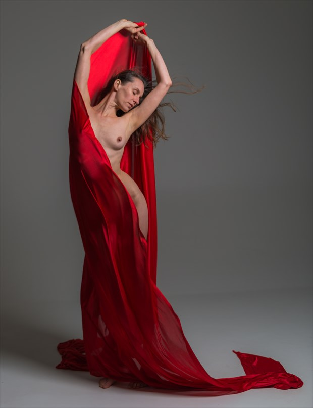 red answer Artistic Nude Photo by Model Nelenu