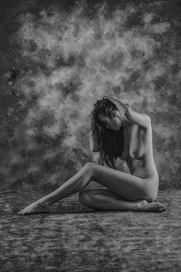 relaxed artistic nude photo by photographer cguthrie