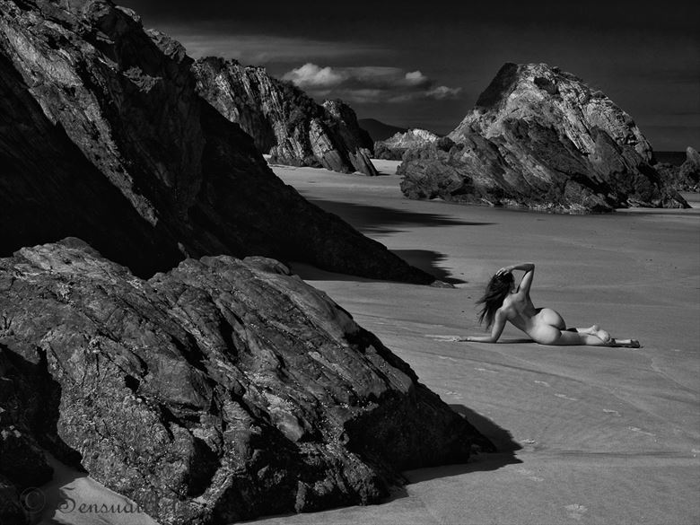 remote beach artistic nude photo by photographer sensual artz