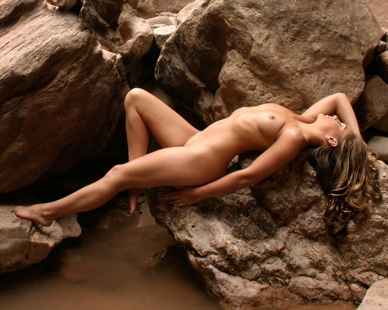 resting place artistic nude photo by photographer anthony gordon