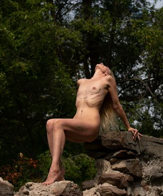 ribs on the rocks artistic nude photo by model dorola visual artist