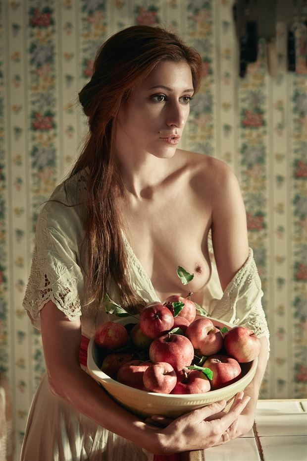 ripe for the picking artistic nude photo by photographer robin burch