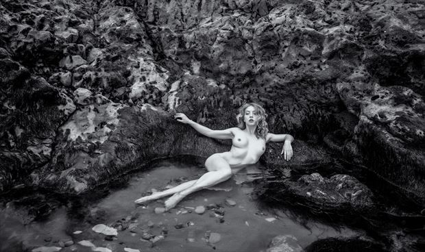 rock pooling artistic nude photo by photographer neilh