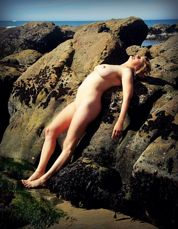 rock reverie artistic nude photo by artist annedelion