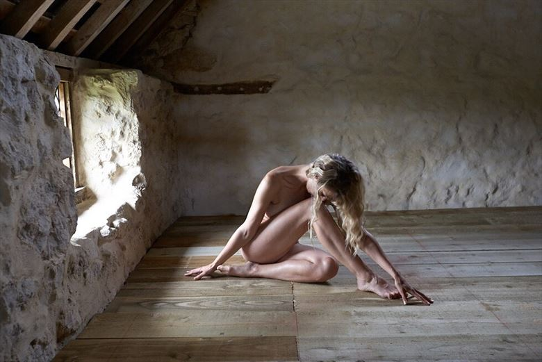 run of the mill artistic nude photo by model selkie