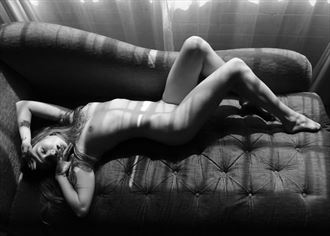 sam_in_bloom artistic nude photo by photographer femmesiren