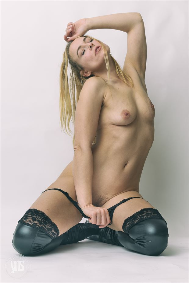 sammie artistic nude photo by photographer your naked skin