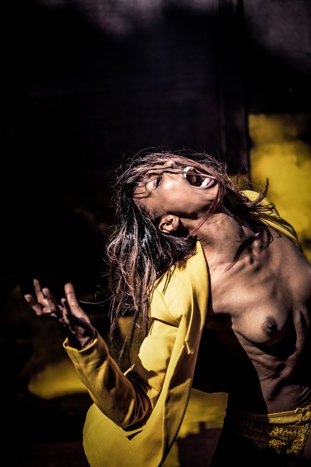 scream out pain artistic nude photo by model sabamodel