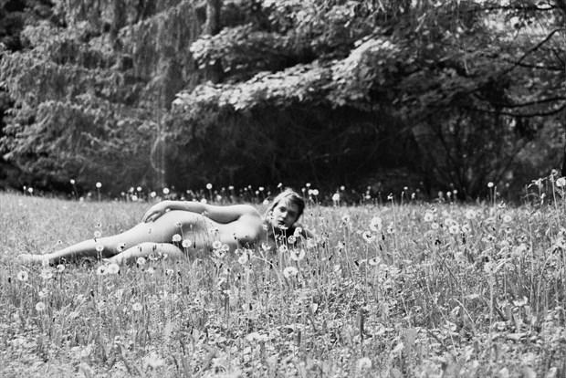 self portrait Artistic Nude Photo by Model Queen Dandelion