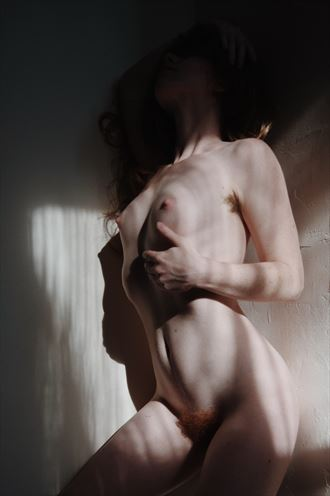 self portrait artistic nude photo by model liv sage