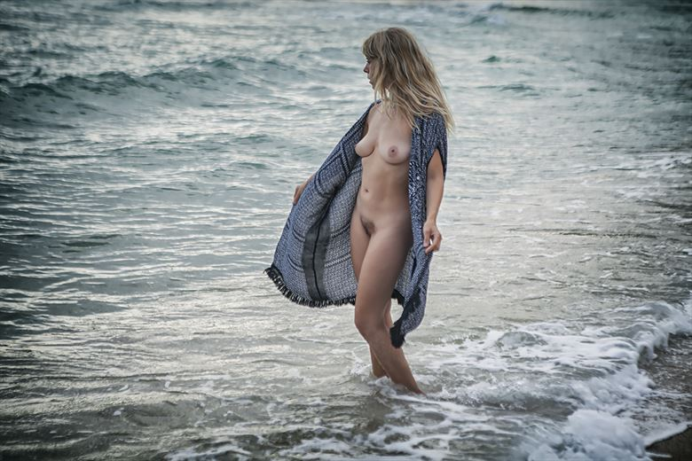 selkie returning home artistic nude photo by model selkie