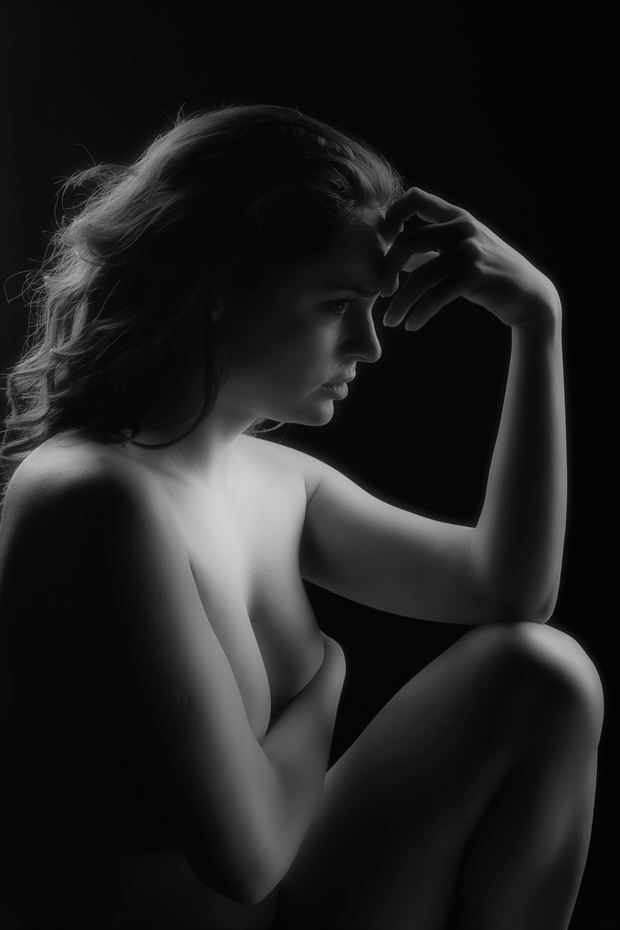 sensual chiaroscuro artwork by photographer ionel onofras