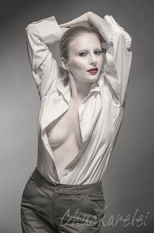 sensual fashion photo by photographer chuckarelei