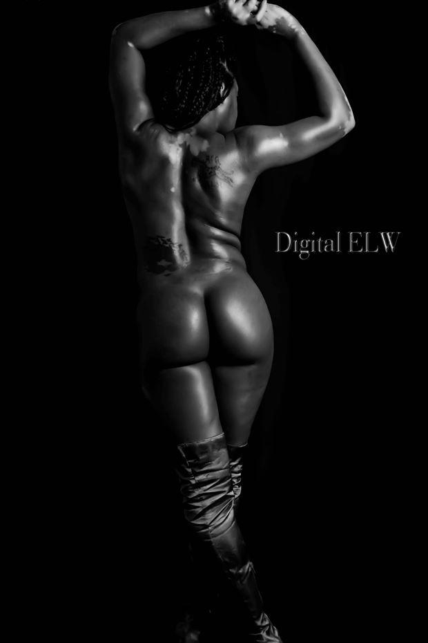sensual figure study photo by model izzy_p25