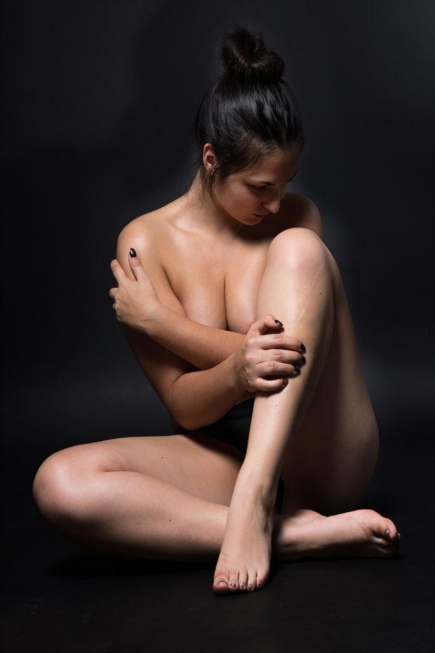 sensual glamour photo by model lisa elias