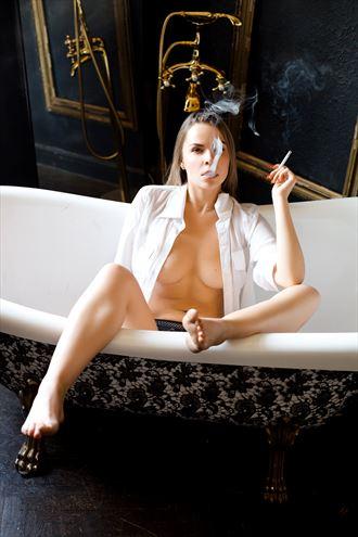 sensual glamour photo by photographer akt photoart