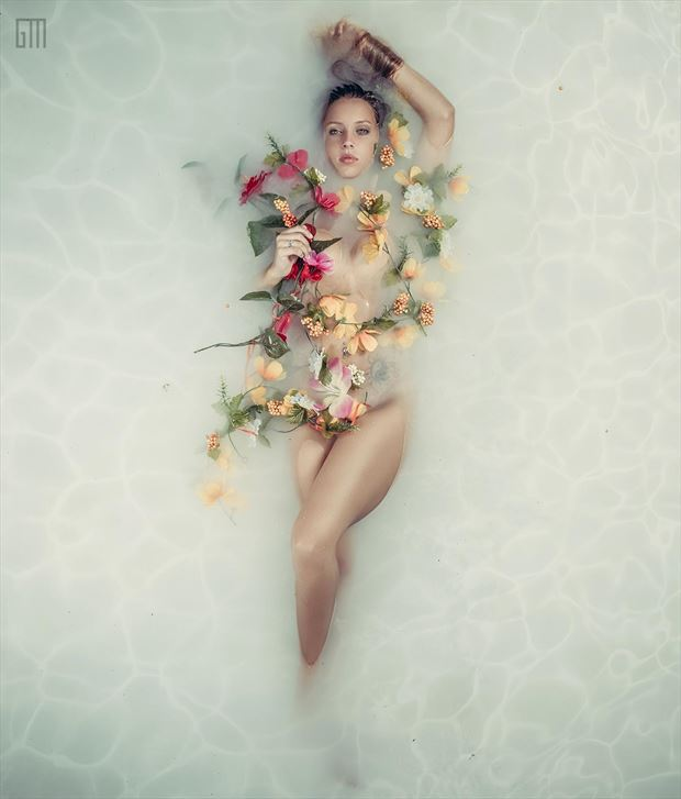 sensual glamour photo by photographer theglamourmaker