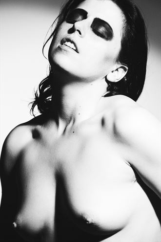 sensual katlyn artistic nude photo by photographer sam henderson photography