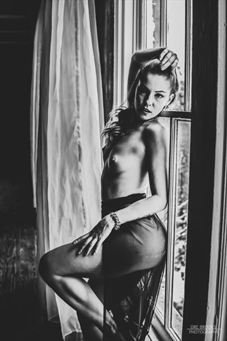 sensual natural light photo by photographer dre brooks
