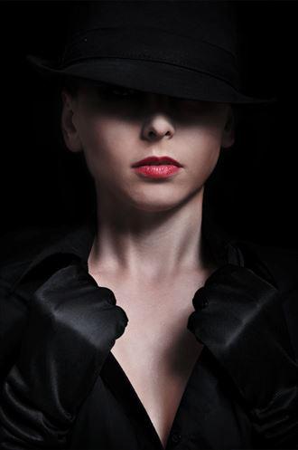 sensual portrait photo by photographer dee light