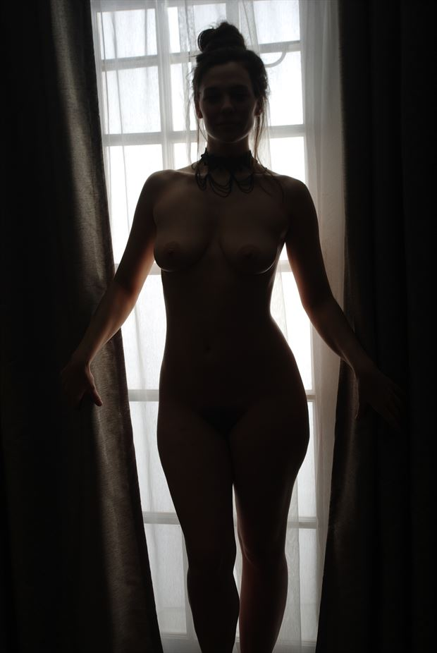 sensual silhouette photo by photographer zames curran