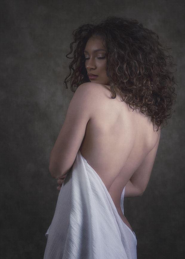 sensual studio lighting photo by photographer montezuma
