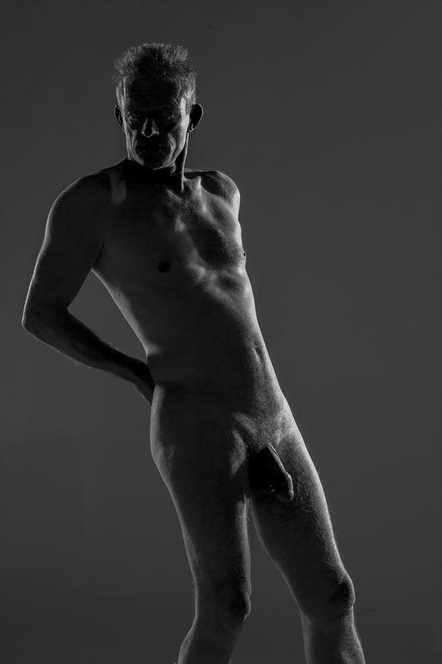 seul sous le regard artistic nude artwork by photographer antoine peluquere