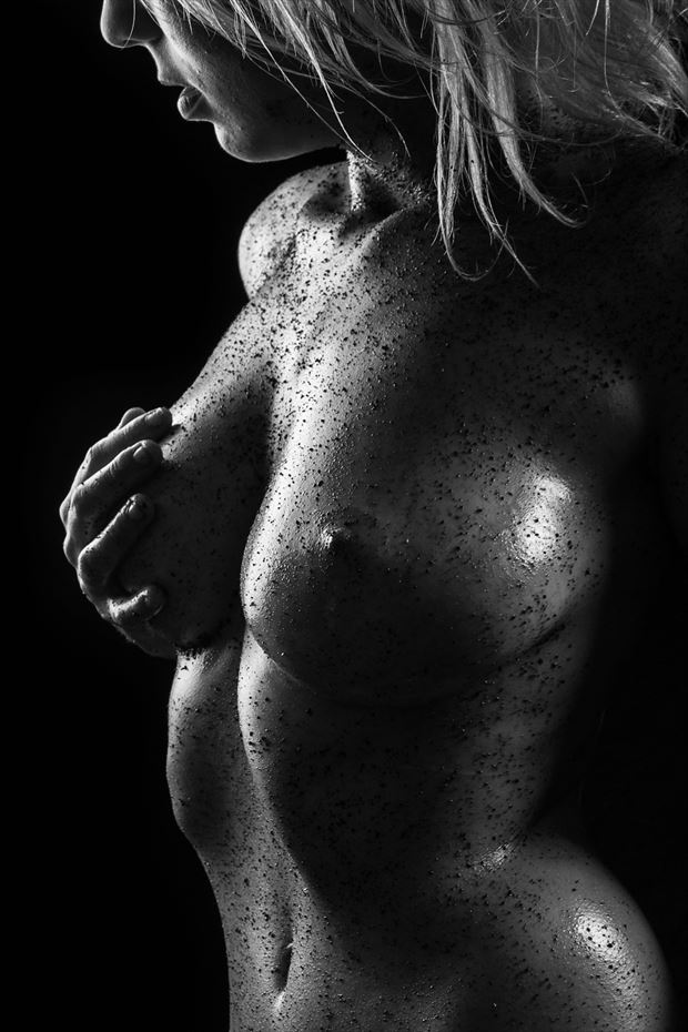 shadow of a dying light artistic nude photo by photographer luj%C3%A9an burger